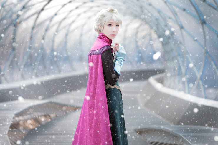 frozen___elsa_cosplay_by_jiminji-d72ztk0