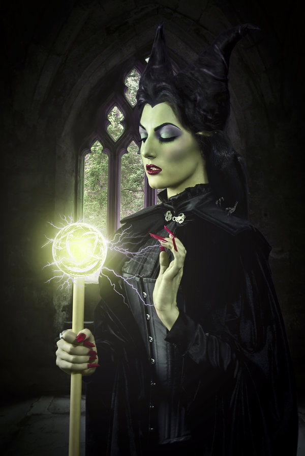 maleficent_by_ladybranwick-d3hyqix