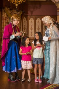 anna-and-elsa-frozen-magic-kingdom3