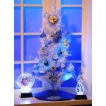 アナと雪の女王のホワイトクリスマスツリー。ブルーのオーナメントで幻想的な雰囲気に。