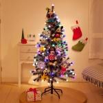 ミッキー&フレンズのぬいぐるみがいっぱいついたクリスマスツリーが可愛い!